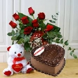 sevgiliye özel kalpli pasta güller